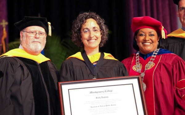 Rudney Receives Honorary Degree, Associate of Arts in Public Service